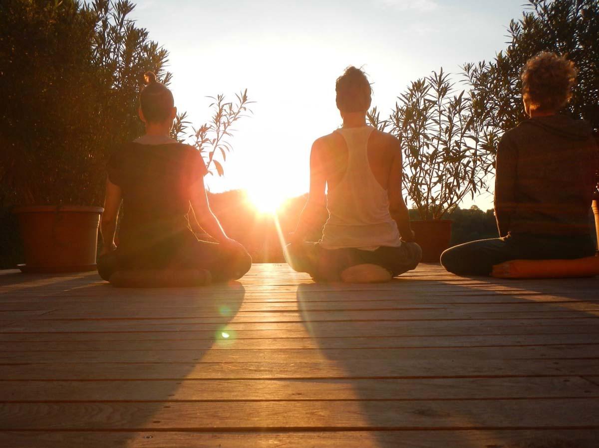 Meditieren am Deck kleiner